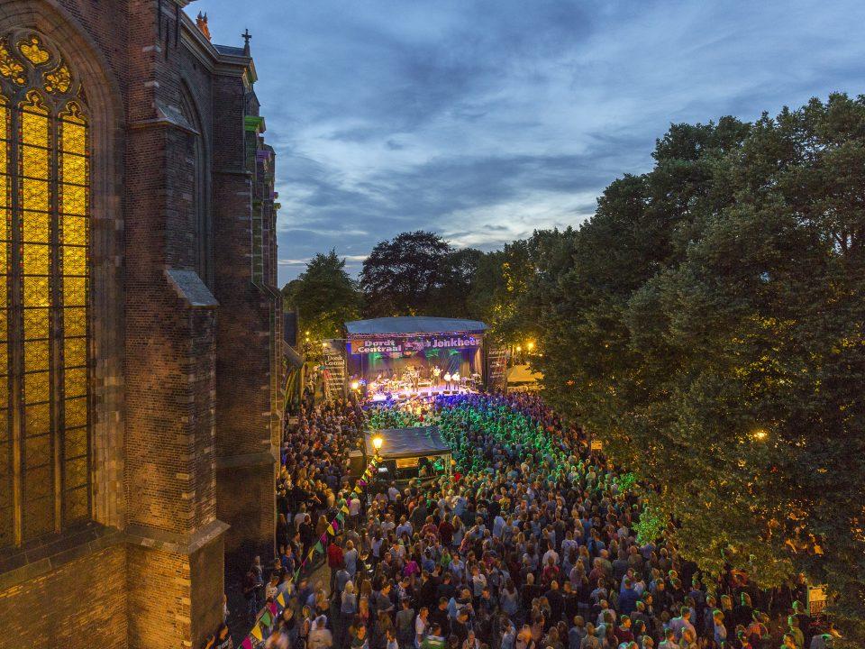 Big Rivers Festival - Dordrecht - evenementen - tuin Grote Kerk - Groterkerksplein - optreden - muziek