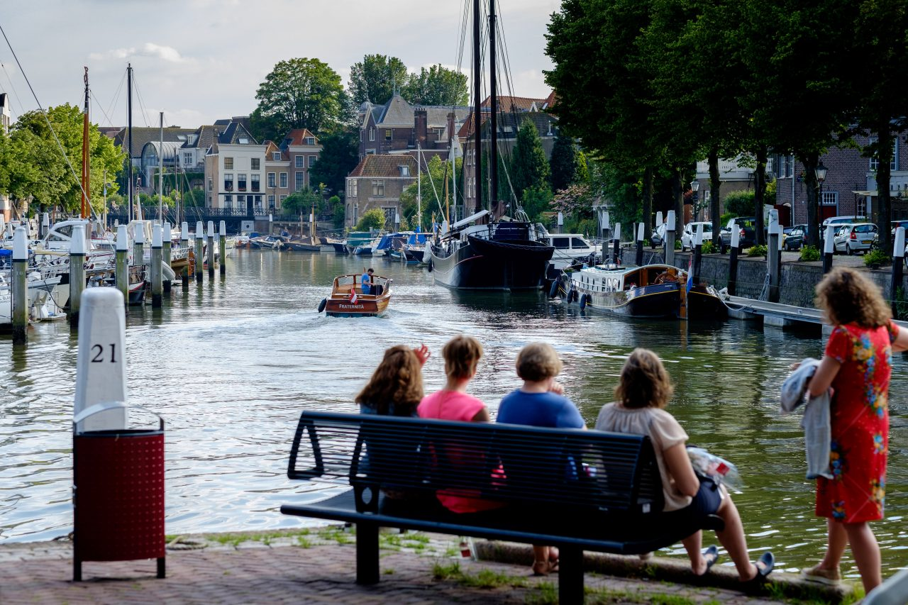 Dordrecht - stadsbeeld - jachthaven - zomer - Boomstraat - Nieuwbrug - Wijnhaven
