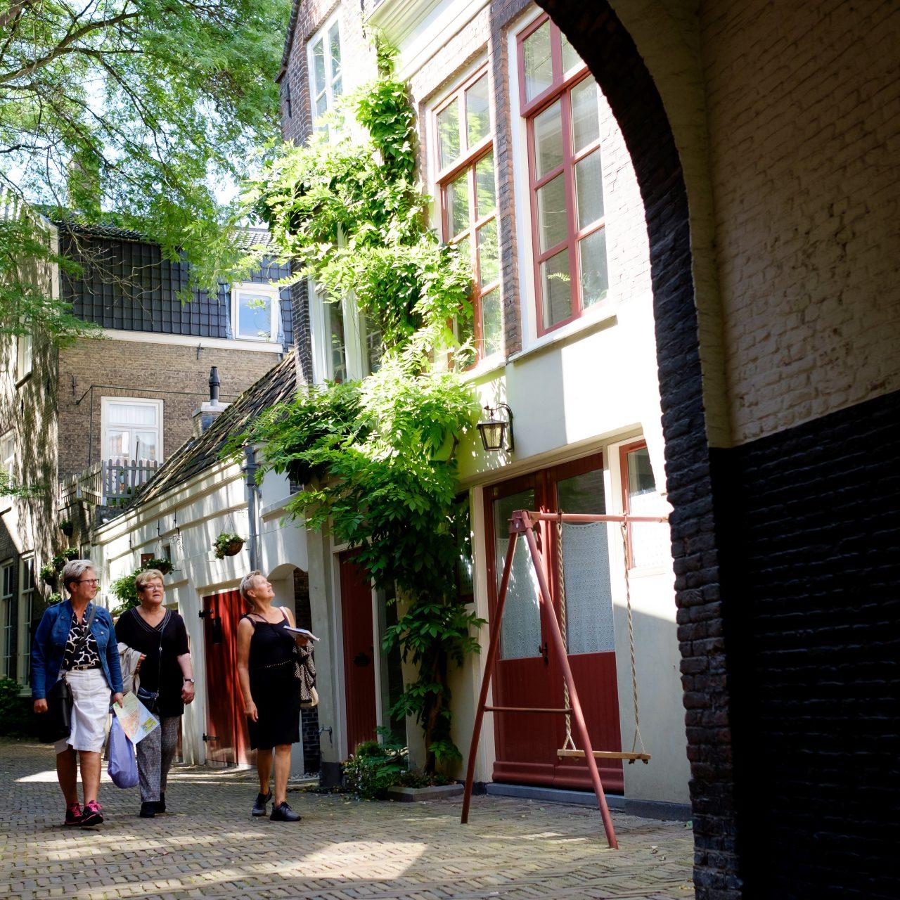 Dordrecht - stadsbeeld - stadswandeling - historie - Het Hof van Nederland - Augustijnenkerk