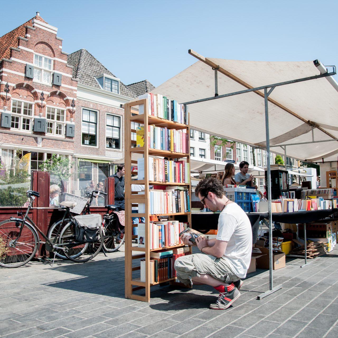 Dordtse-Boekenmarkt-Dordrecht-evenementen-Statenplein-Nieuwstraat-boeken-markt