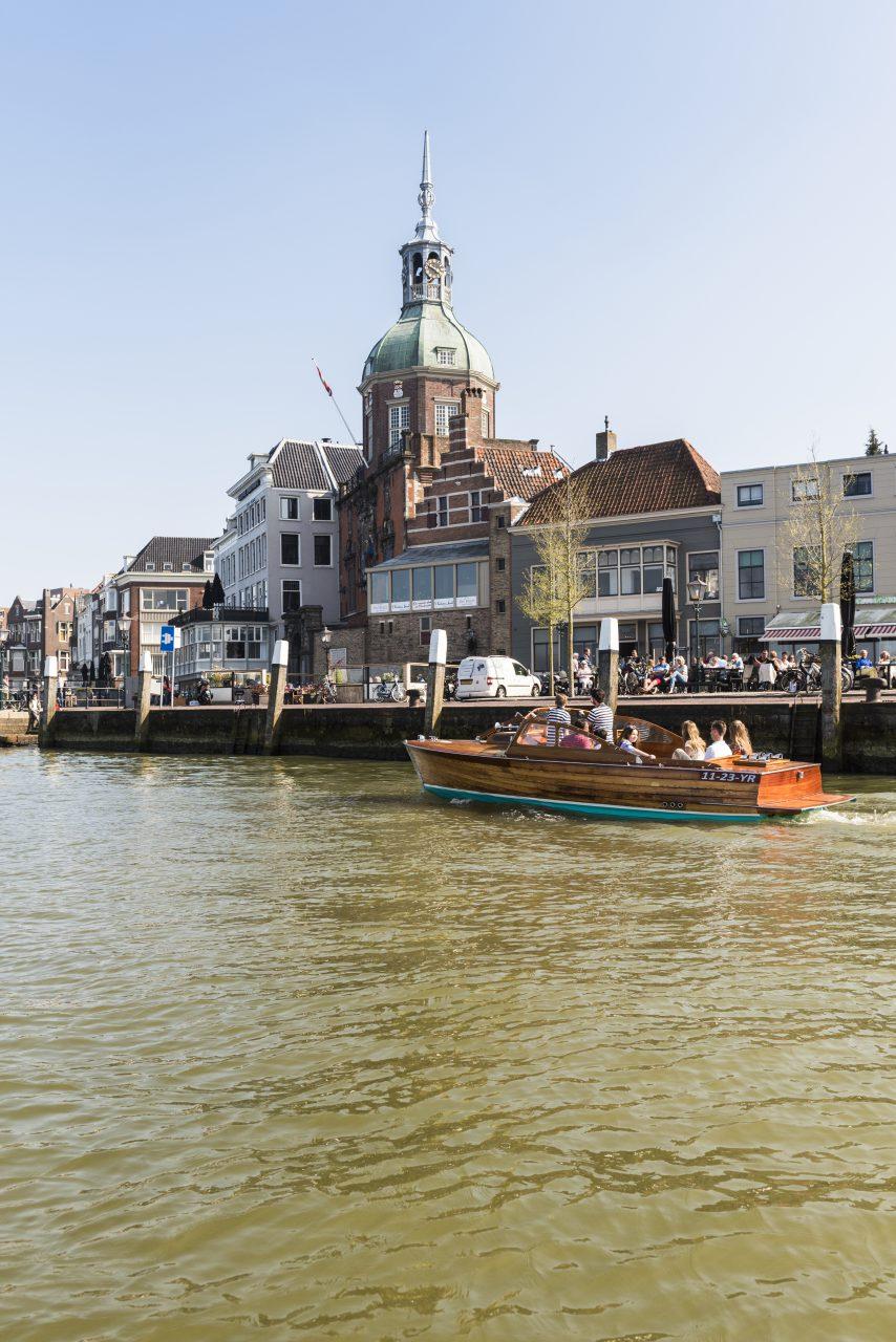 Groothoofd - Dordrecht - toerisme - Groothoofdspoort - drierivierenpunt - rondvaart - boot - Imbarcazione Barone - water - varen