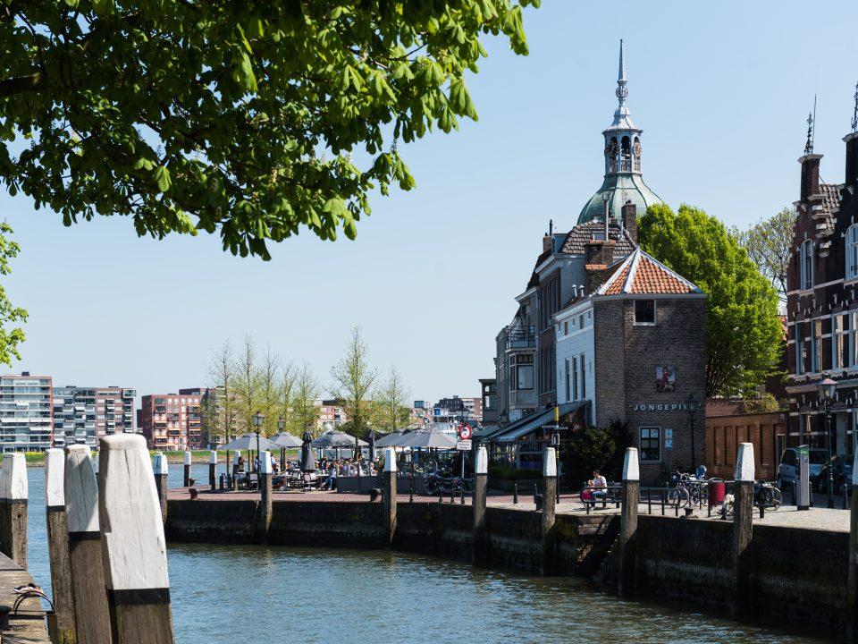 Horeca - Dordrecht - sfeervol eten en drinken - terras - Groothoofd - Groothoofdspoort - Kuipershaven - water