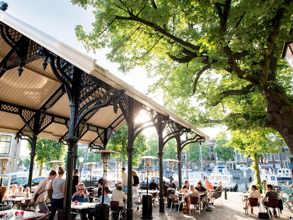 Horeca - Dordrecht - toerisme - eten en drinken - Vismarkt - Nieuwe Haven - Otto e Mezzo - terras