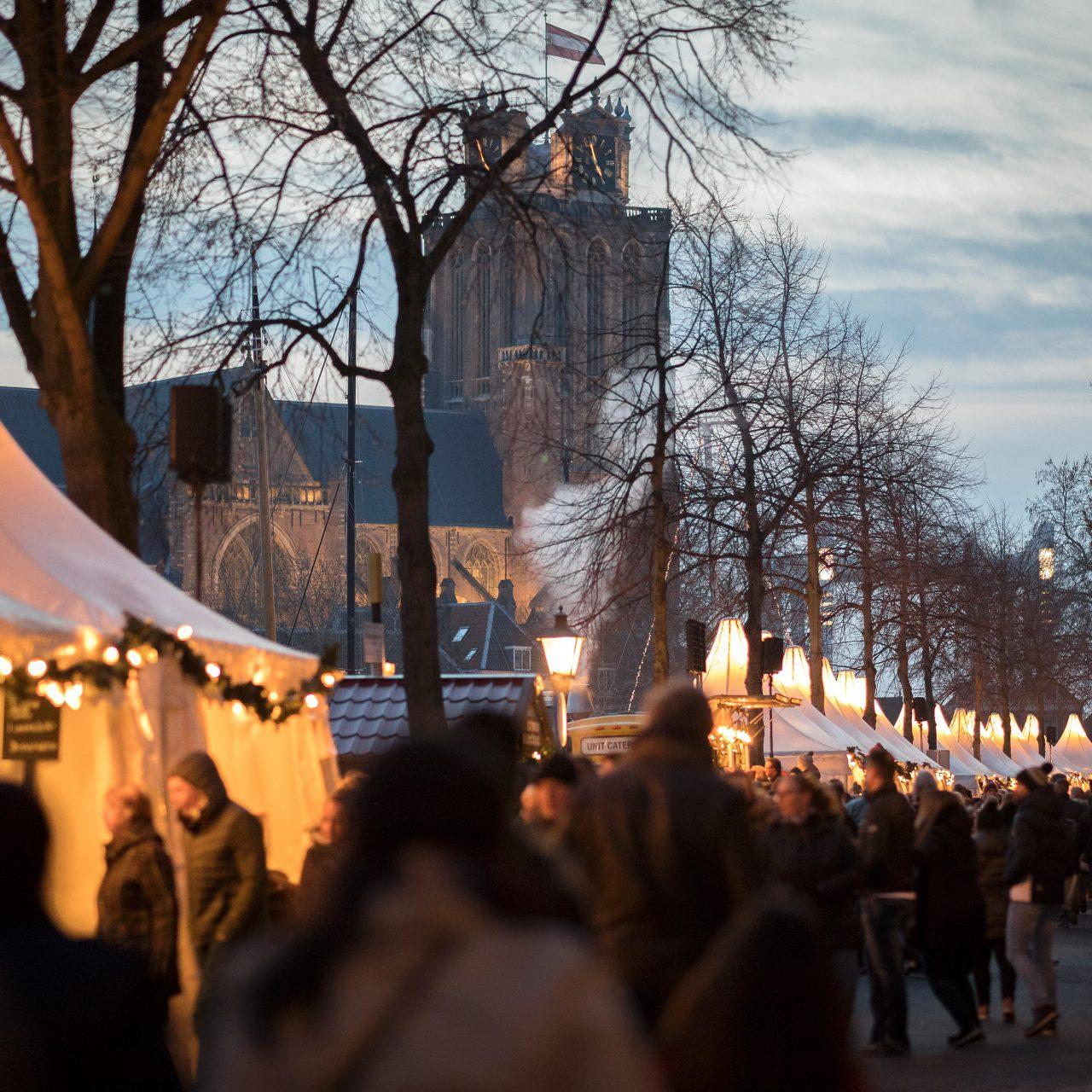 Kerstmarkt Dordrecht - Dordrecht - evenementen - Grote Kerk - Nieuwe Haven - pagode