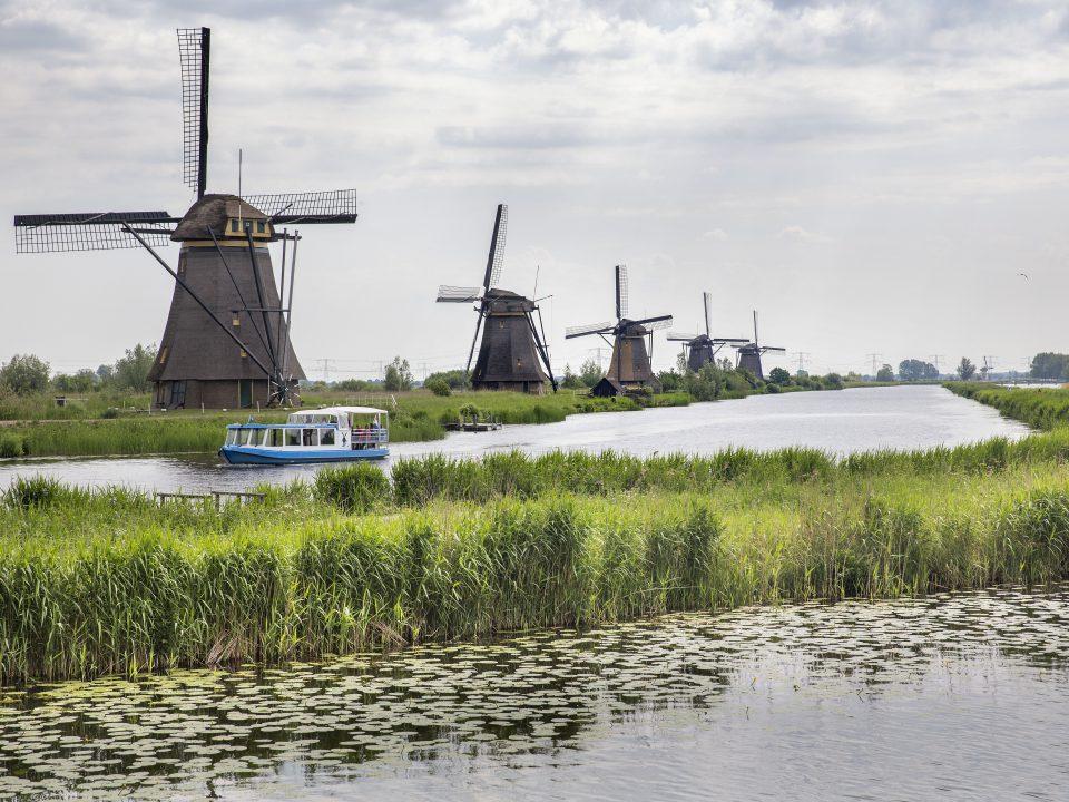 Kinderdijk - toerisme - rondvaartboot Overwaard - molens