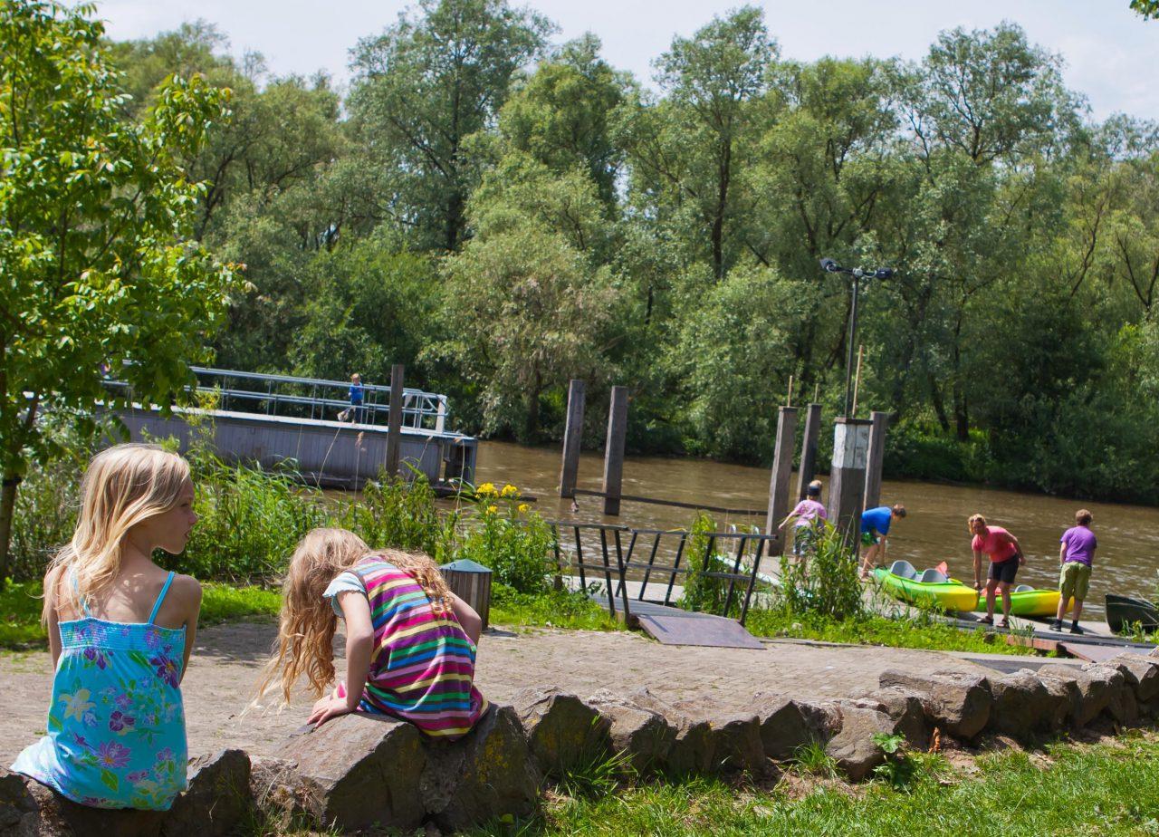 Nationaal Park de Biesbosch - Dordrecht - toerisme - kinderen - boot - kano - water